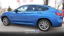 BMW X4 - Glossy satin bleu - left side